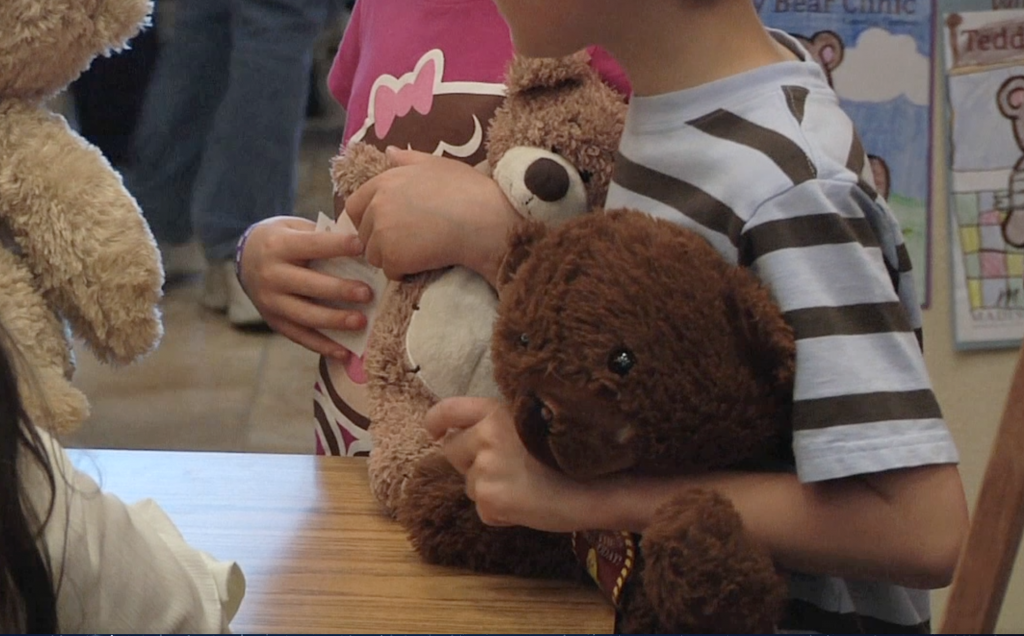 BYU-Idaho Students Volunteer at Teddy Bear Clinic