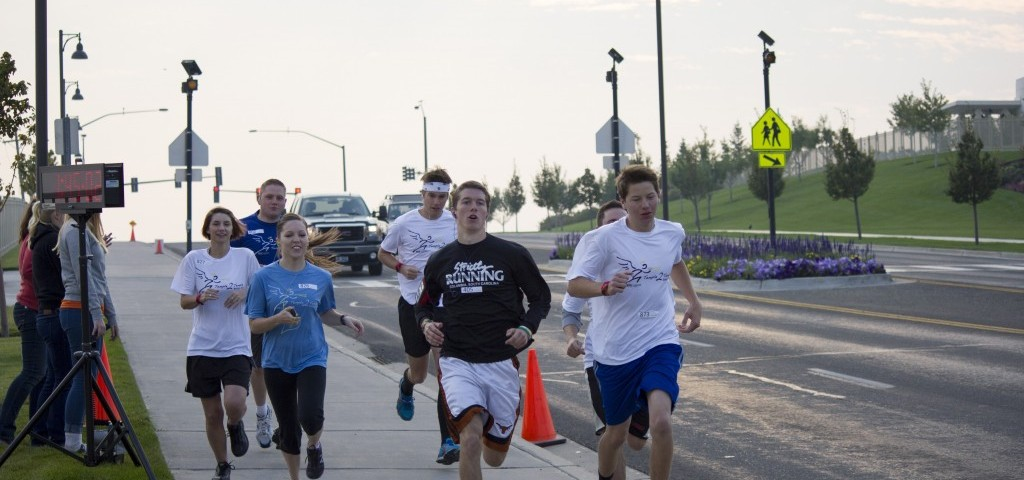 Students participate in the Temple to Temple Relay held September 21. BREANNA ALLEN | Scroll Photography