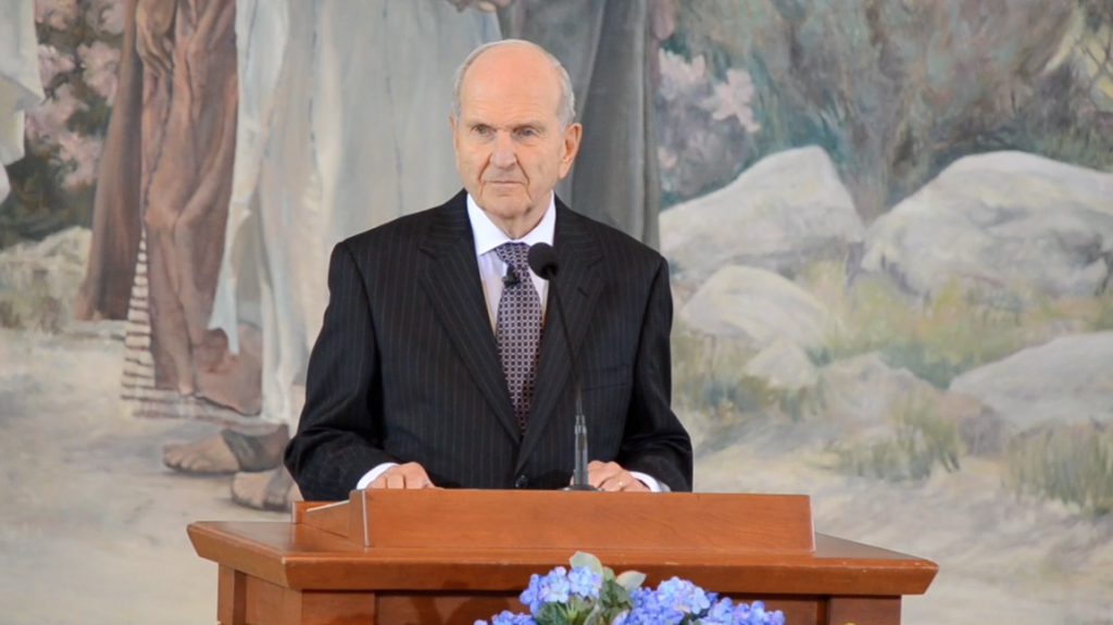 President Nelson signs new mission calls after passing of President Monson