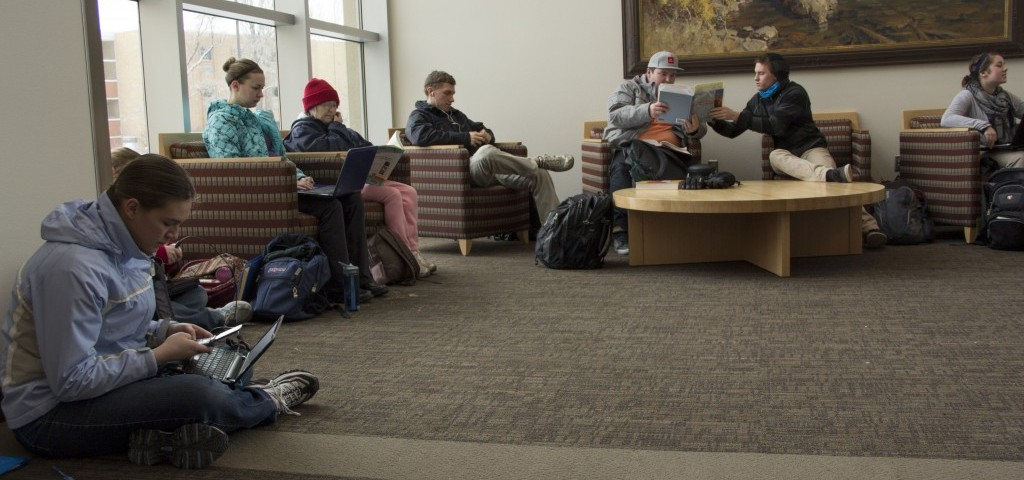 Students gather in BYUI-Center to keep warm during power outage in Rexburg