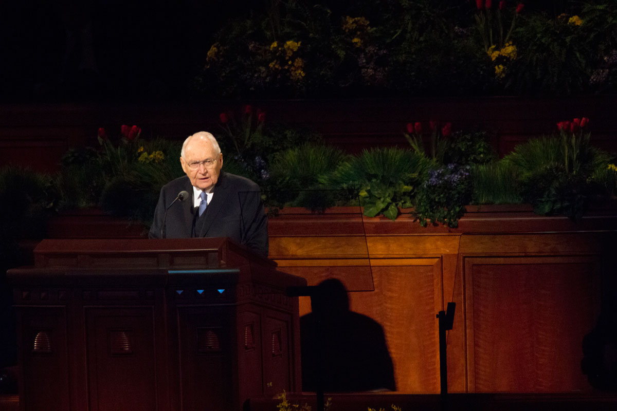 Elder Perry hospitalized due to breathing difficulties