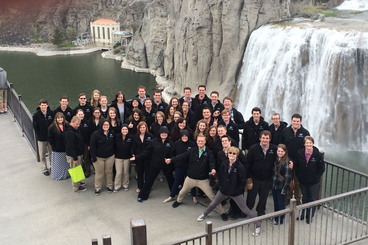 Collegiate Singers and Symphony Band return from tour