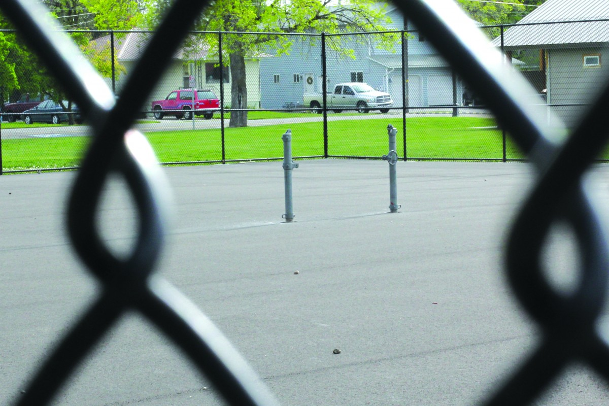 Tennis courts to be ready at end of May
