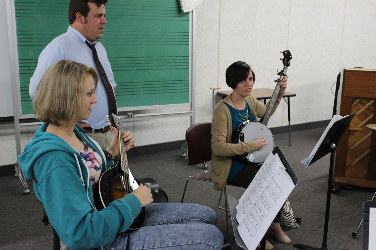 Students band together to play Bluegrass music