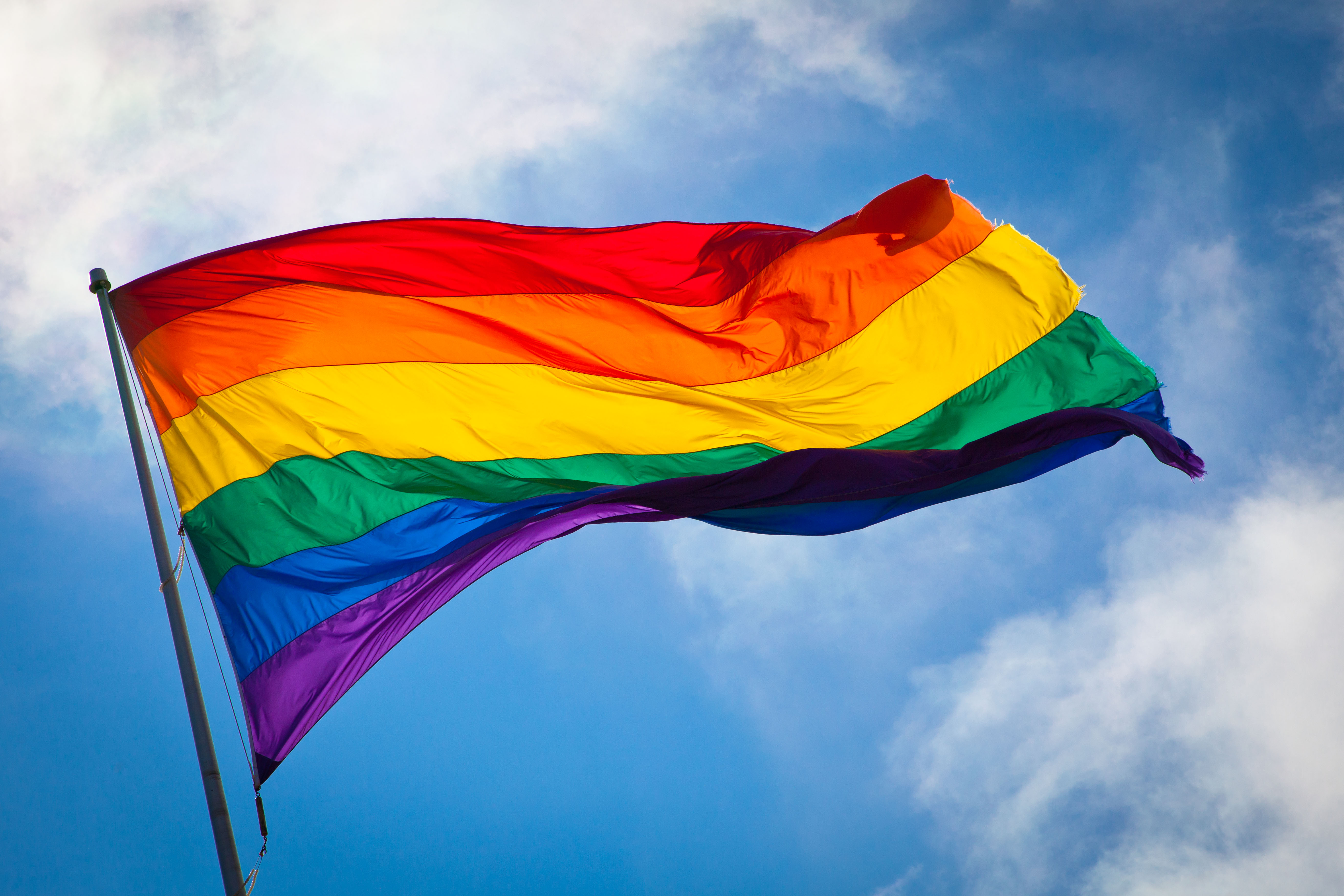 Supreme Court legalizes gay marriage in all 50 states
