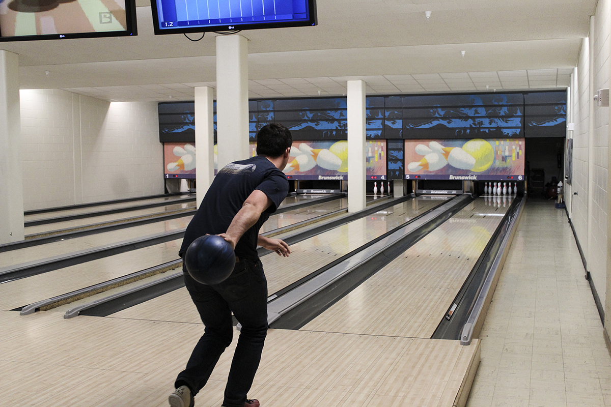 Bowlers light up lanes, punish pins