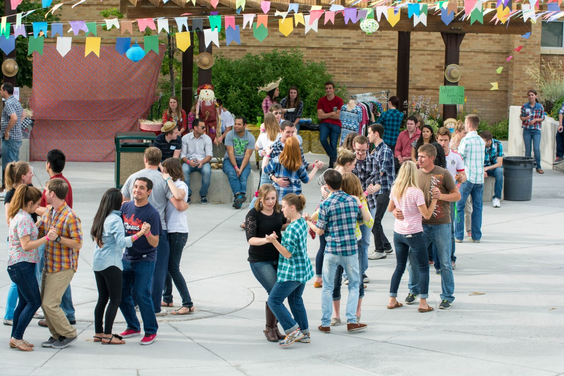 The Brazilian harvest festival, organized by students, featured music games and dancing.