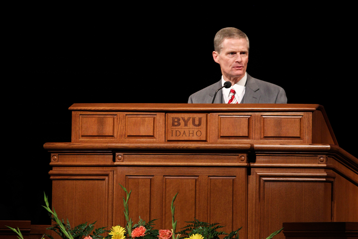 Elder Bednar issues apostolic promise in Devotional