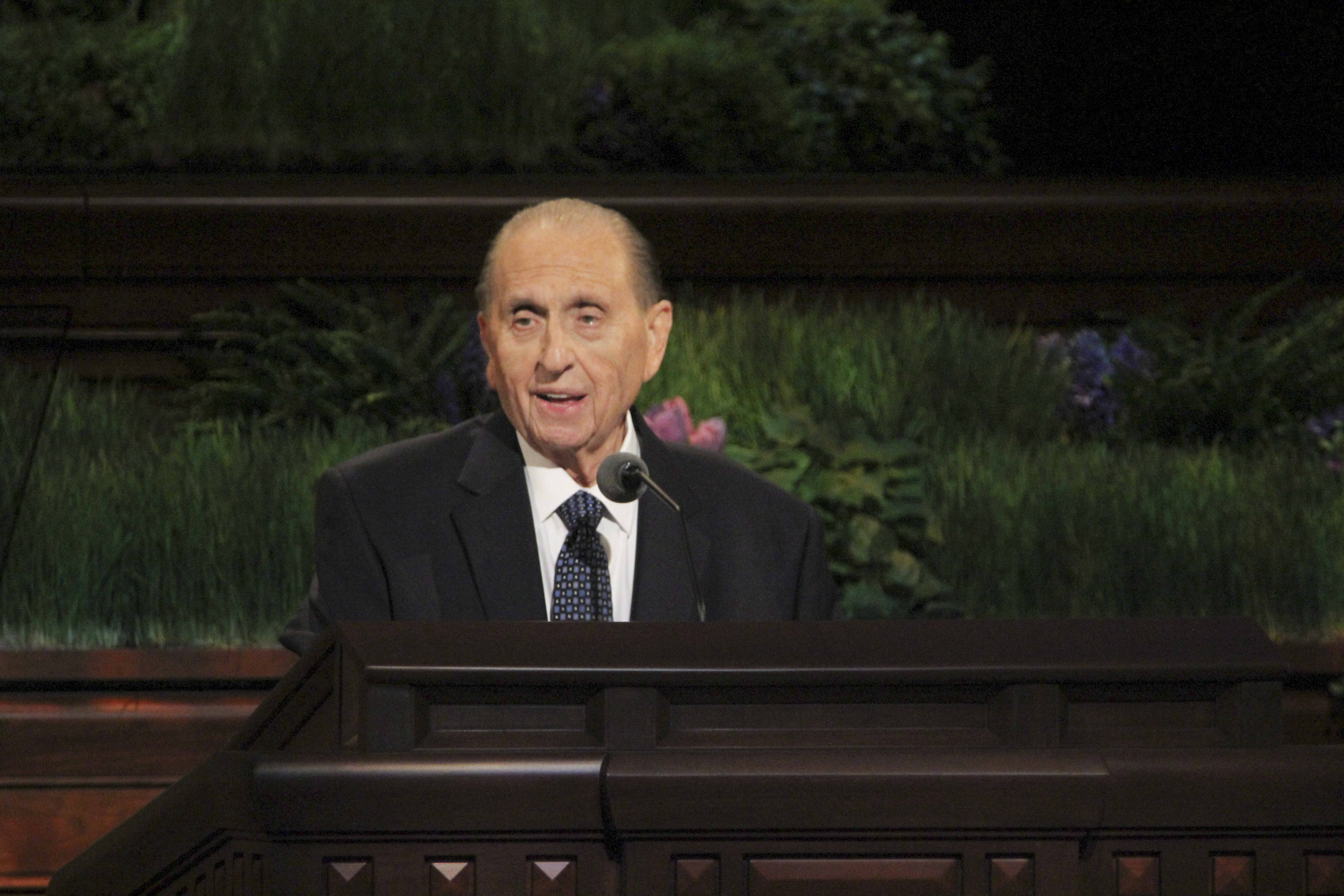 """Be of good cheer. The future is as bright as your faith,"" President Monson said at April 2009 general conference."