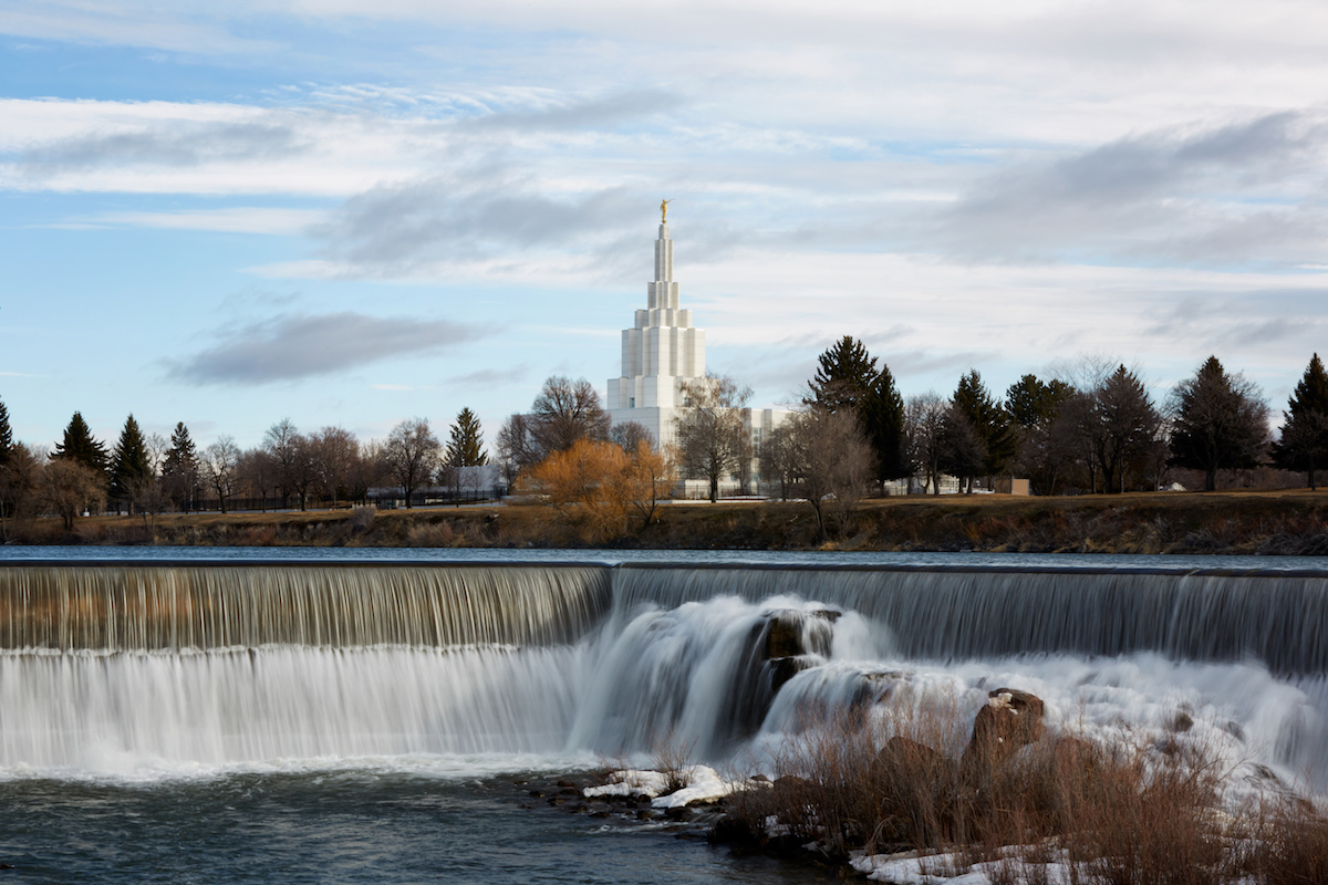 LDS Church changes policy on divorced and single men working in the temple