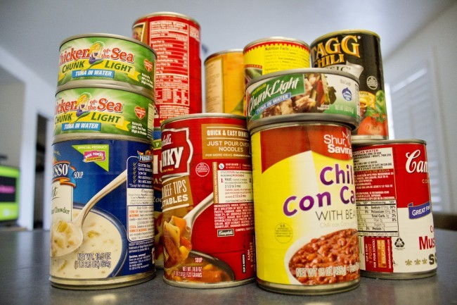 How are other college food pantries helping students?