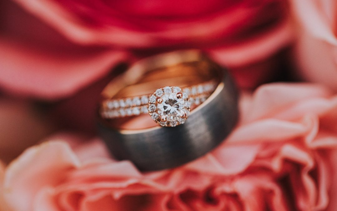 4 tips to prepare for that engagement ring purchase