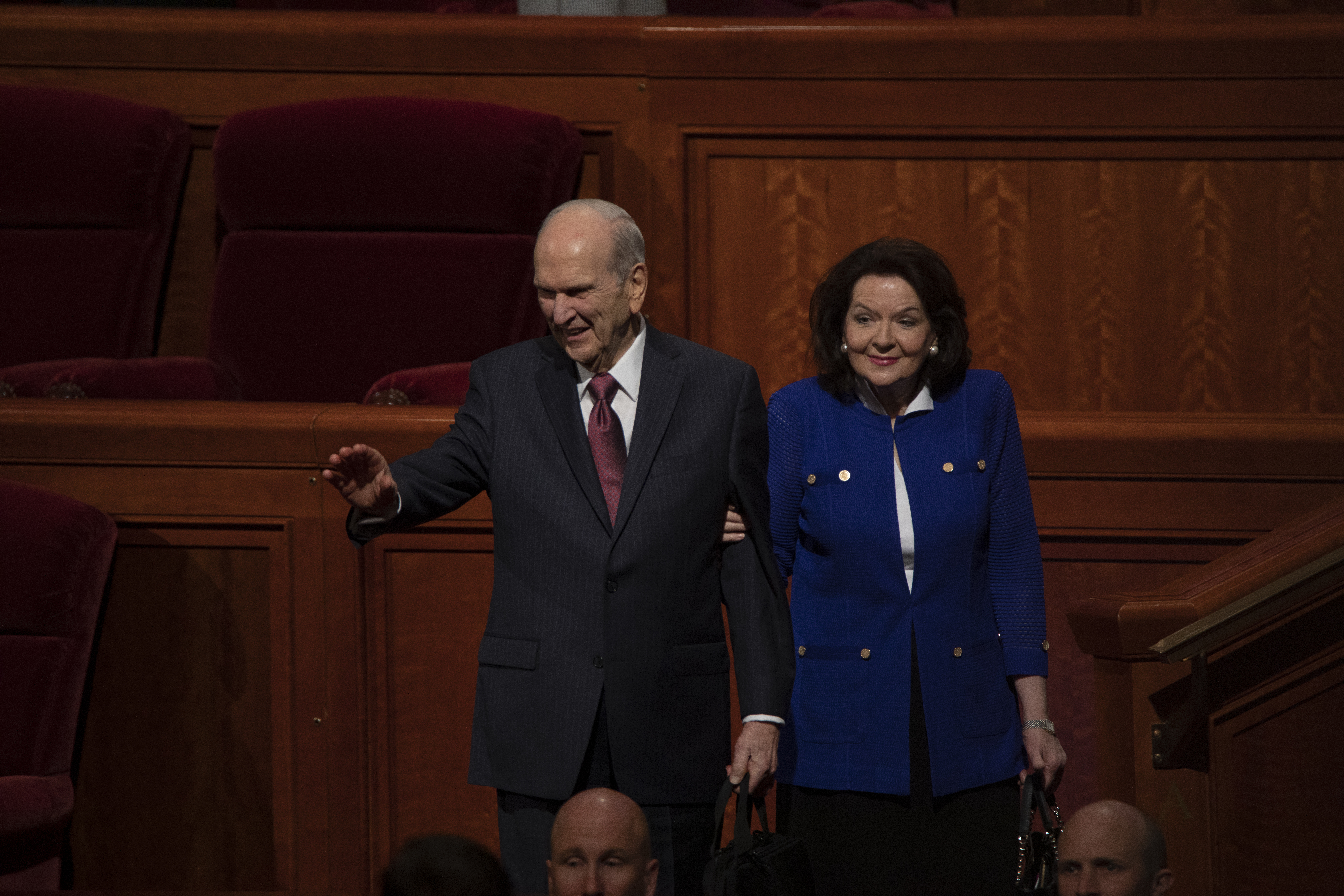 President Nelson waves to the congregation after the Saturday Morning Session of General Conference.