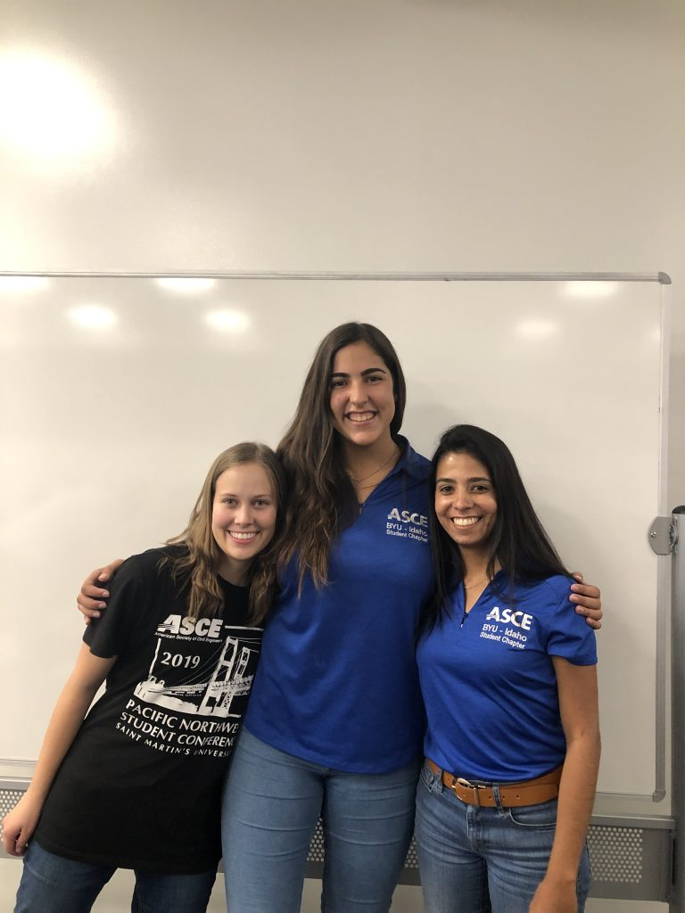 Female engineering students at a competition. Photo credit: Cindy De Abreu