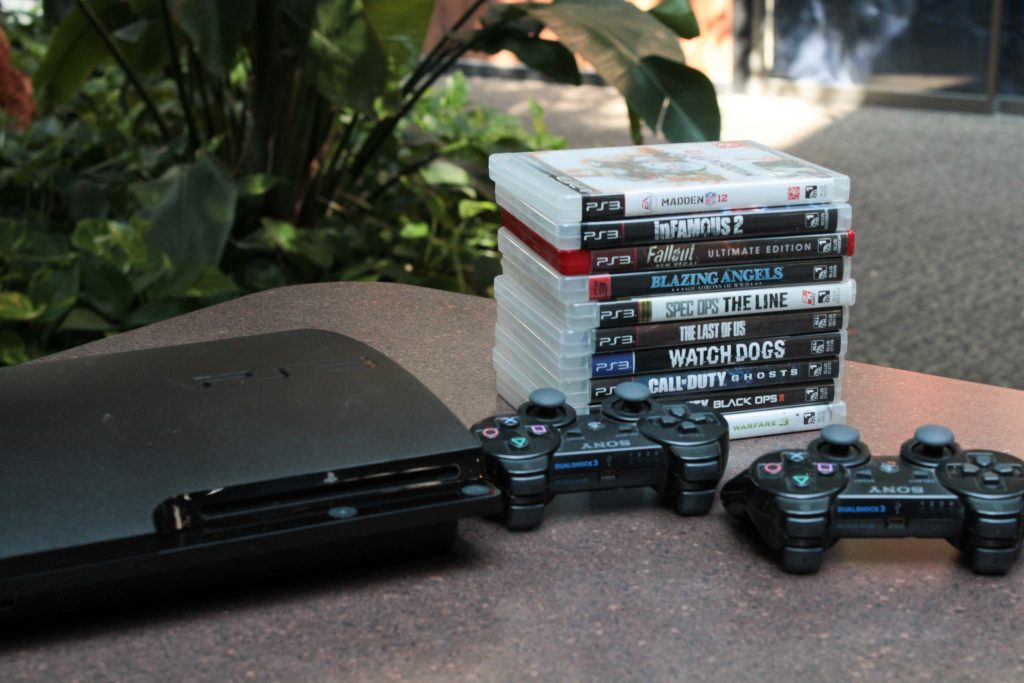 A full setup for the PS3 and games.