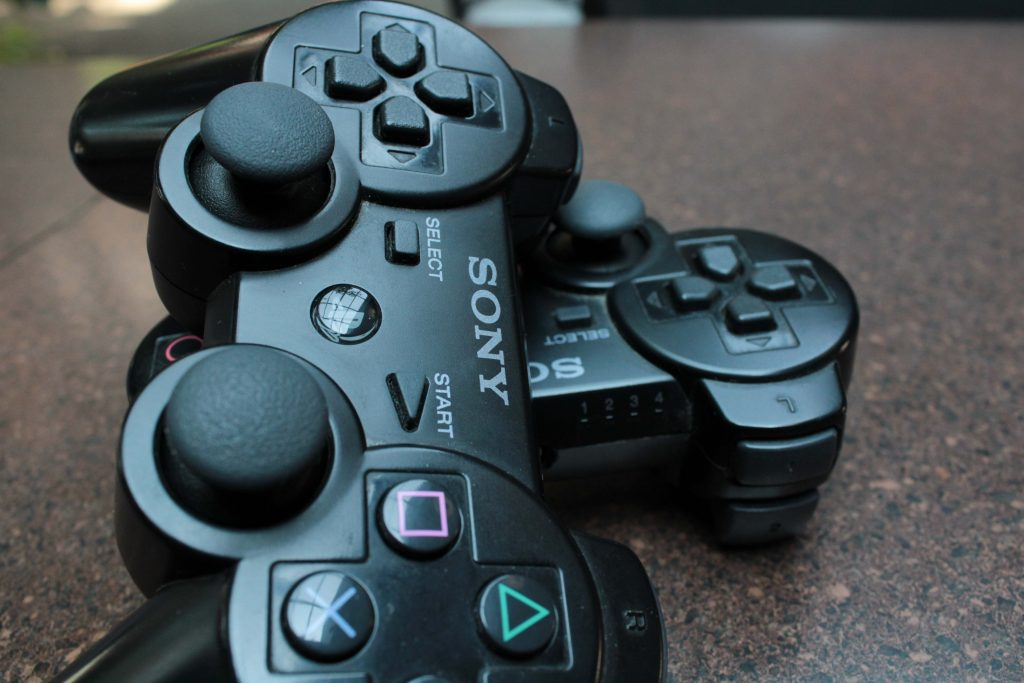 PS3 controllers came in wireless and wired options.